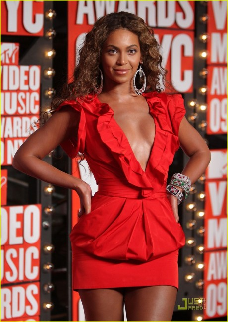 Beyonce at the 2009 MTV VMAs. Photo by Michael Loccisano/Getty Images.
