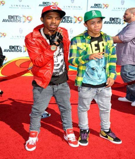 Source: http://fashionfeen.files.wordpress.com/2009/07/newboyz.jpg